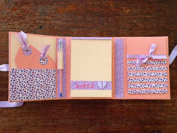 Bruna Alcântara {scrapbooking artesanal}: Bloco de anotações com bolso e mini álbum cascata