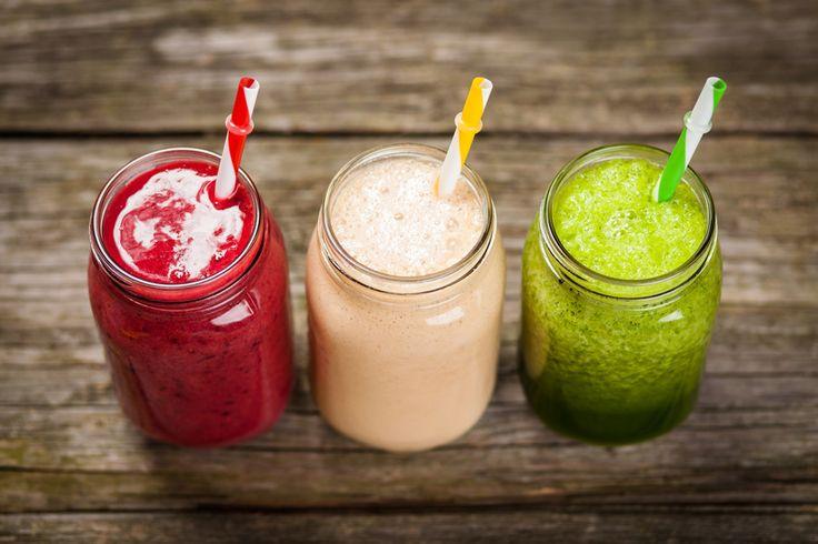 IDEA: Este verano prepara sabrosos batidos con leche... ¡de almendras! Con un alto valor nutricional, sin gluten ni lactosa, es una bebida perfecta para preparar deliciosos batidos como estos: energético (con plátano y un toque de canela); antioxidante (con frutos rojos), o diurético (de piña y melón).