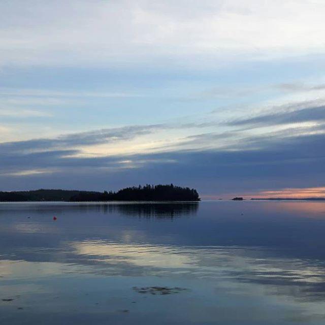 【reikowilkes】さんのInstagramをピンしています。 《Nice sky💙 • • #sunset #bluesky #sky #clouds #ocean #sea #nature #naturelover #naturelove #naturephoto #nature_seekers #natureshots #halifaxnoise #halifaxlife #halifax #novascotia #canada #igers_novascotia #空 #壮大 #空好き #青空  #雲 #海 #自然 #自然好き #自然好きな人と繋がりたい #ハリファックス #ノバスコシア州 #カナダ》