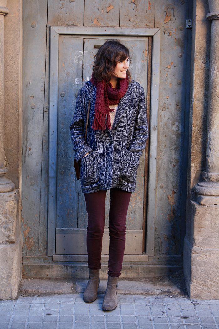 Magnifique tenue (j'ai ce manteau, je crois que je vais craquer pour le slim et l'écharpe...)