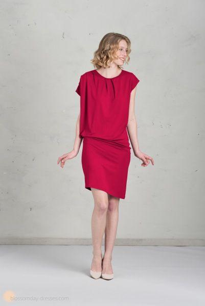 short bridesmaid dress in raspberry ♥️ Kurzes Brautjungfernkleid in himbeere
