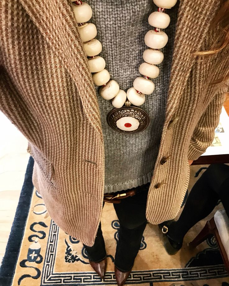 I'm ready to go & so is my necklace 🐌 #MirimalGems #bones #bonebeads #handmade #jewelry #tibetianbeads #malajewelry #nativeamerican #bohojewelry #handbeaded #handbeadedjewelry #gemstonebeads