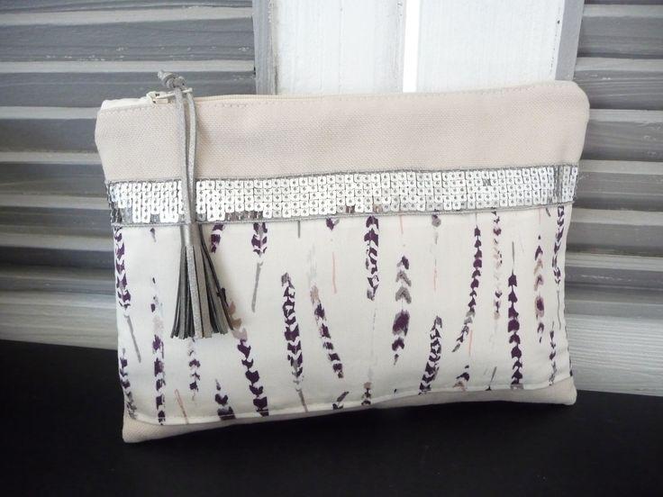 Pochette toile de coton beige et tissu motif plume,sequin argent et pompon argent : Trousses par miss-so-chic