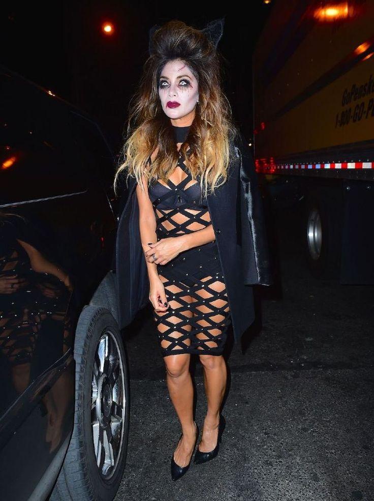 Nicole Scherzinger – Heidi Klum Halloween Party : Global Celebrtities (F) FunFunky.com