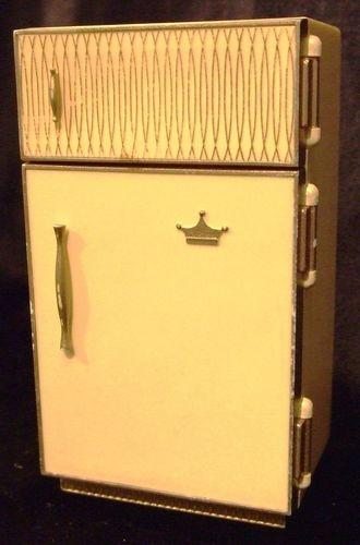 Ideal Petite Princess Doll House Kitchen Refrigerator / Fridge 1960s