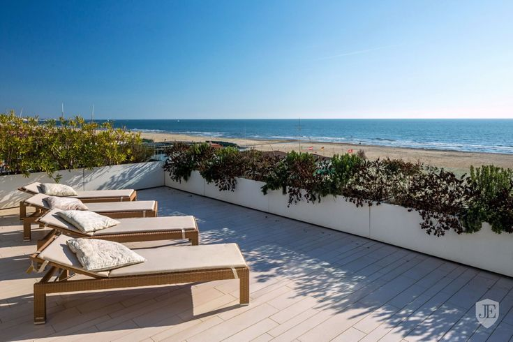 Apartment by the sea for sale at Lido di Camaiore in Lido