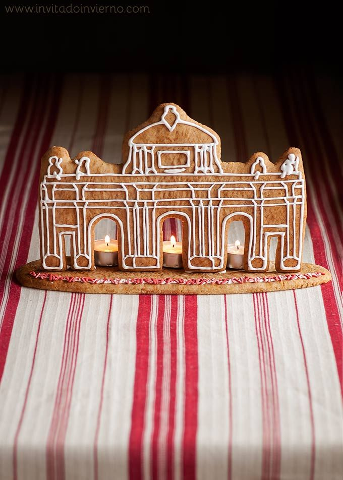 Instead of a gingerbread house, make a gingerbread  Puerta de Alcalá!