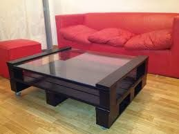 Resultado de imagem para mesa feito de pallet de cor preta