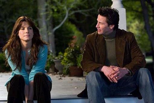 """Keanu Reeves e Sandra Bullock em A CASA DO LAGO (The Lake House). 1-""""A única pessoa que eu não posso estar junto é aquela que eu mais queria entregar meu coração."""", 2-""""Na ausência da luz, o que prevalece é a escuridão."""" e 3-""""Por favor permita que eu esqueça você..."""""""