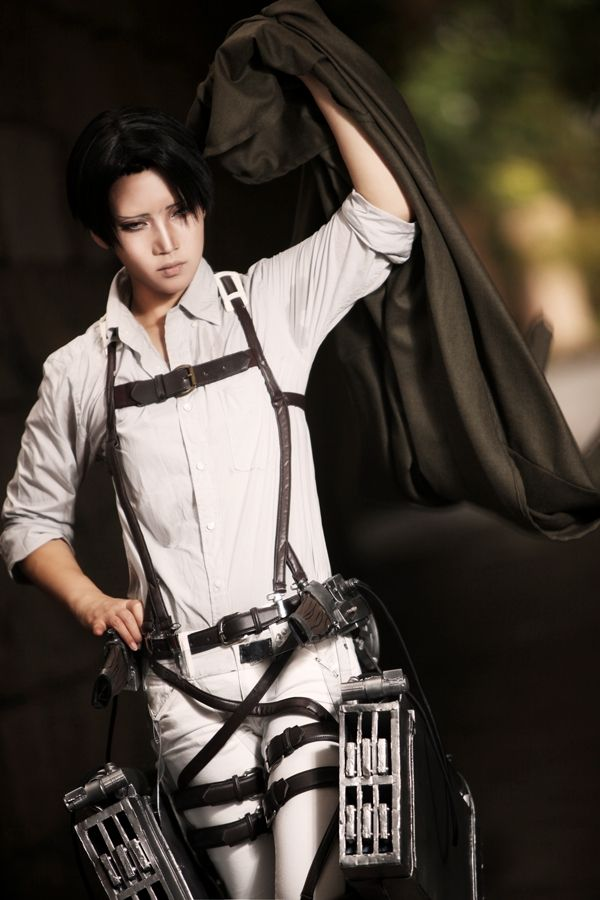 best-levy-cosplay-rivaille-attack-on-titan-attaque-des-manga-tv-streaming-anime-online-legal-gratuit-2-reika