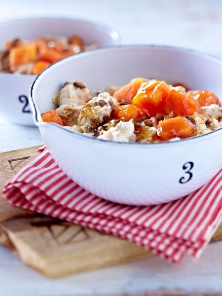 Sie wollen abnehmen? Morgens sollten Sie auf Müsli mit Früchten oder Vollkornbrot mit Kräuterquark und Gurke setzen. Mehr REZEPTE gibt's HIER!