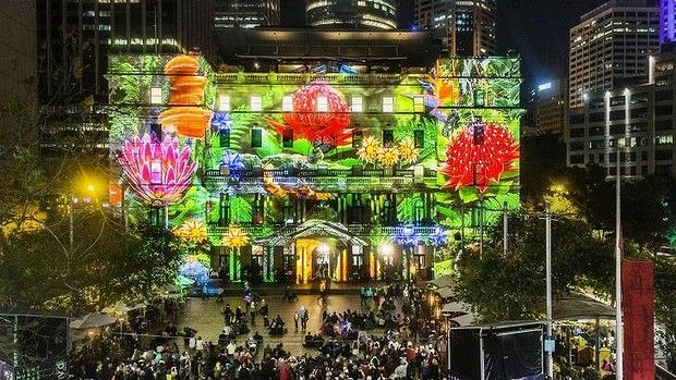 A blue-tongue lizard will lead the light entertainment at Customs House.