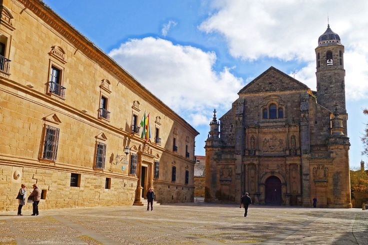 Went into hermit mode in the tiny Andalusian town of Ubeda Spain where I spent 8 days in a Spanish immersion program @diverbo_puebloingles! Not only did we talk to natives all day everyday but we also got to explore the town and nearby surrounds. Imagine learning about this historical town in another language!  Have you ever participated in an immersion program?