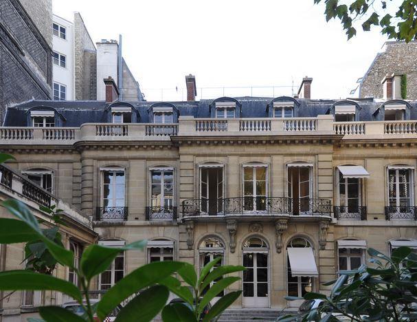 Le marché de l'immobilier de luxe Paris se porte plutôt bien. Les biens immobiliers de prestige sont prisés par une clientèle internationale.