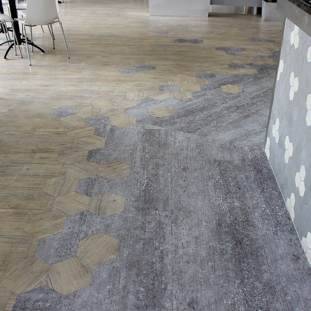 Loose lay installation by Evolved Luxury Floors and @karndeandesignflooring #evolvedluxuryfloors #elfloors #karndean #luxuryvinyl #looselay #vinylplanks #looselayvinyl #luxuryfloors #designerfloors #inspiredbydesign #designer #luxury #interiordesign #decoration #flooring #evolved #showroom #karndeanlooselay #follow #beautiful #style #instagood #photooftheday #goldcoast #beachdesign #elfshowroom #mermaidtavern