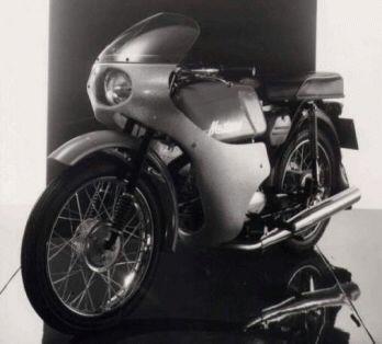 Prototyp kapotované verze Jawy 23 Mustang