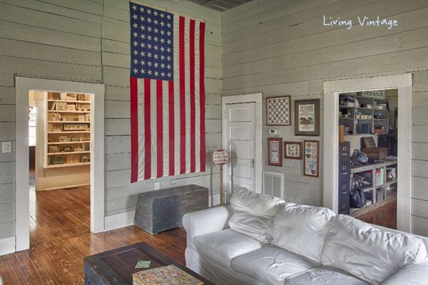 our Americana living room - head on over to see more!  Living Vintage