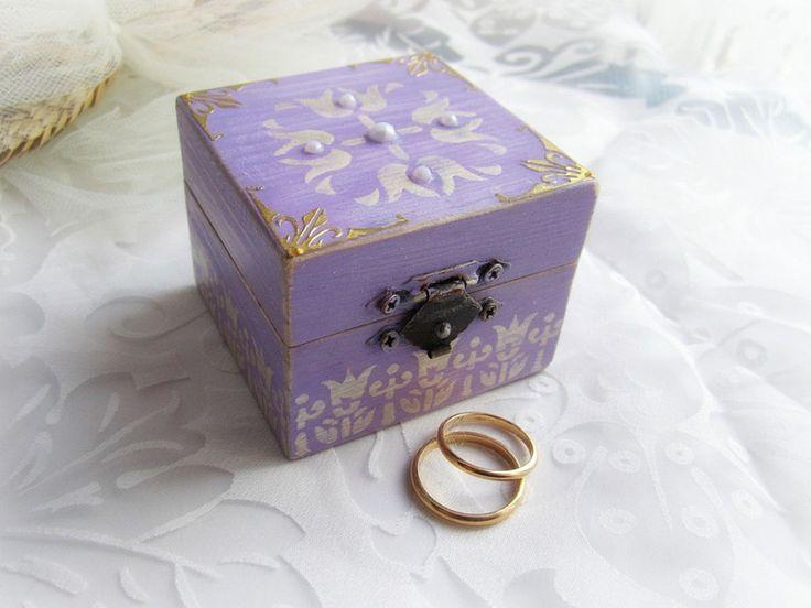 Cuscini per le fedi - Scatola portafedi legno violetta - un prodotto unico di GattyGatty su DaWanda
