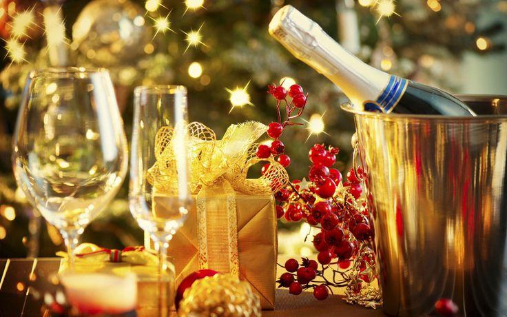Друзья! Поднимая этот первый бокал,  хочу сказать вам – до завтрашнего свидания! Потому что мы трезвыми с вами сегодня уже не увидимся!  #новогодние_тосты #тосты #antrio #antrio_цитаты