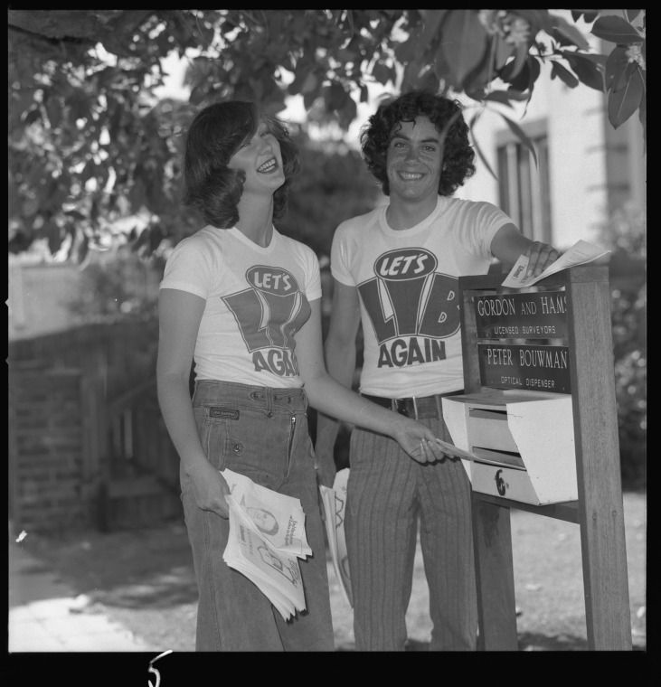 361765PD: Lets Lib Again federal election campaign for the Liberal Party, Perth, 4 December 1975. At right Damien Kenny, woman not identified https://encore.slwa.wa.gov.au/iii/encore/record/C__Rb3116859