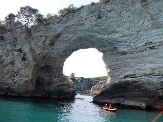 Biuro Turystyczne ALLORA: Rejs na oglądanie grot na Gargano
