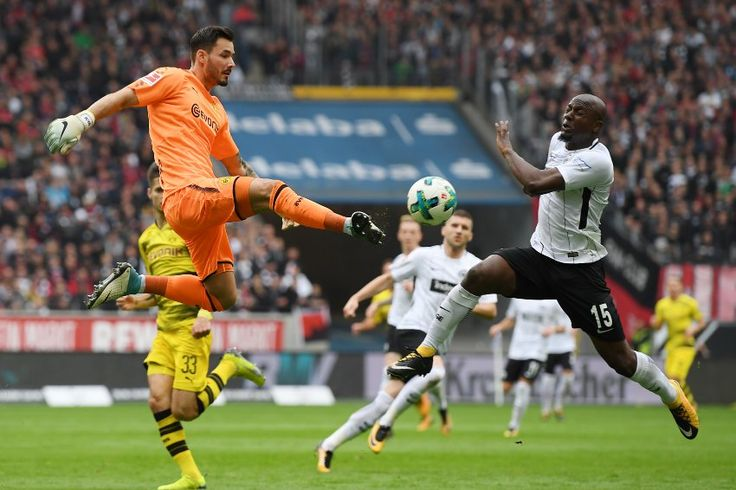 BL 17/18 - 9.Sptg.:Eintracht Frankfurt - Borussia Dortmund 2:2 (0:1)  Vor dem Spiel richteten...