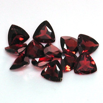 Garnet – stone of purity and truth, symbol of love, commitment and compassion, brings luck, releases needed info during meditation, increases one's security level and spiritual awareness, associated with the thyroid and spleen