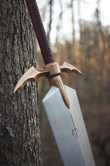 Volpin Props makes Claire's Sword (Claymore)
