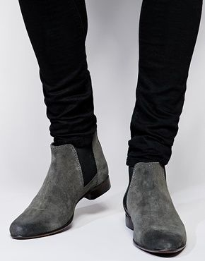 ASOS Chelsea Boots in Suede - Gray, Boots by ASOS 100% Real Leather upper Soft-touch, suede finish Elastic panels Heel pull tab Pointed toe Protect with a suede cleaner ABOUT ASOS BRAND Designed in-house in our London studio by our dedicated menswear team, ASOS offer a range of men's clothing designed and created exclusively for ASOS .ABOUT ME Upper: 100% Real Leather, Lining: 50% Other Materials, 50% Textile, Sole: