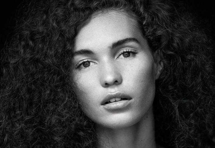 Model: Sophie Photographer: Gary McGillivray-Birnie Lighting: Natural Light Camera: Sony A7rii Lens: 70-200mm Settings: ISO 200, f/2.8, 1/160s @198mm www.mcgillivraybirniephotography.com