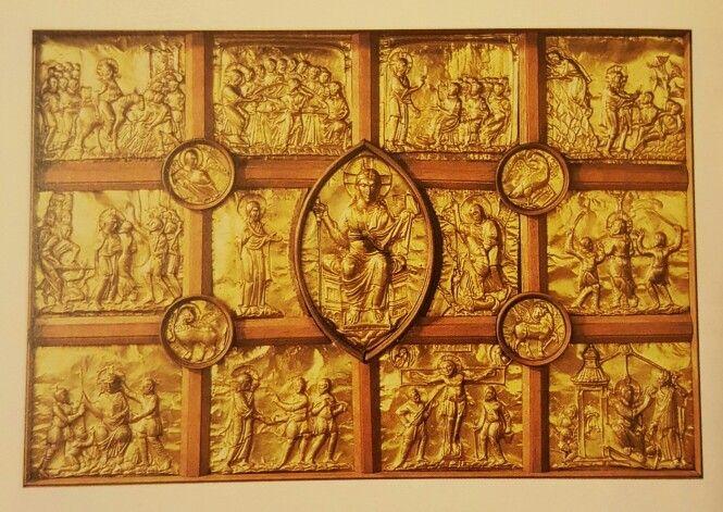 Antepedium d'oro  983-1002 Aquisgrana, cattedrale  Paliotto donato alla Cappella Palatina