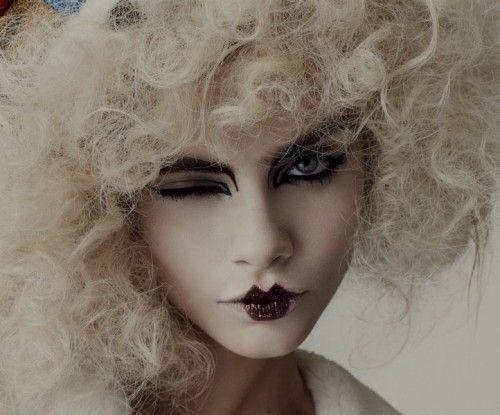 Макияж на Хэллоуин - Кары Делевинь Алиса в стране Чудес фото 1