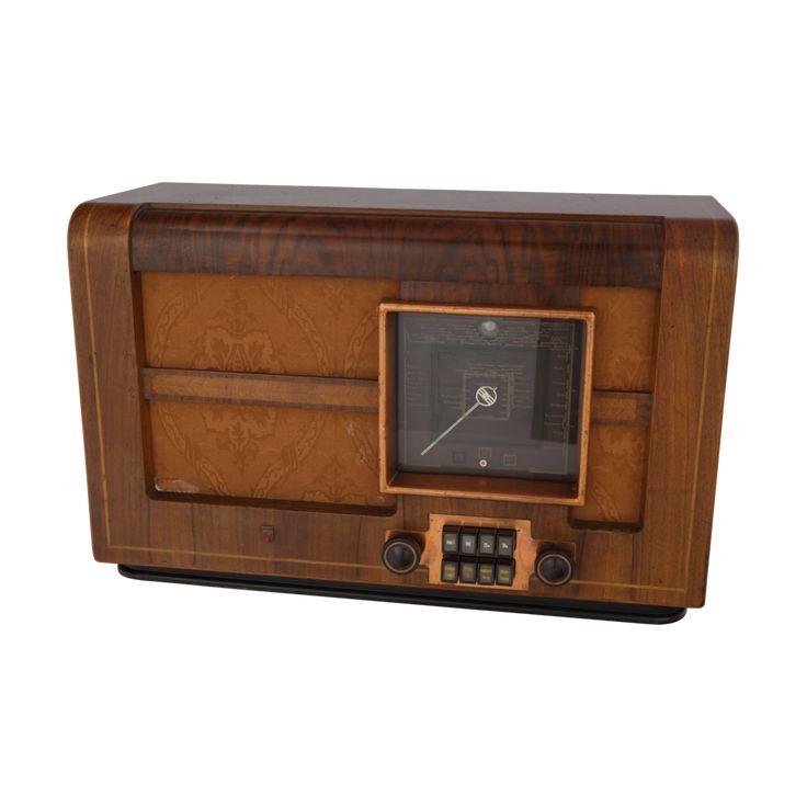 Radio Philips 7–39, 1938/1939, z kolekcji Muzeum Inżynierii Miejskiej /Philips 7-39 radio, 1938/1939, from The Municipal Engineering Museum collection/