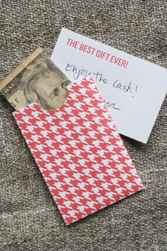 Free printable gift money holder - just made this...didn't have time to pick up a present!  Worked great!