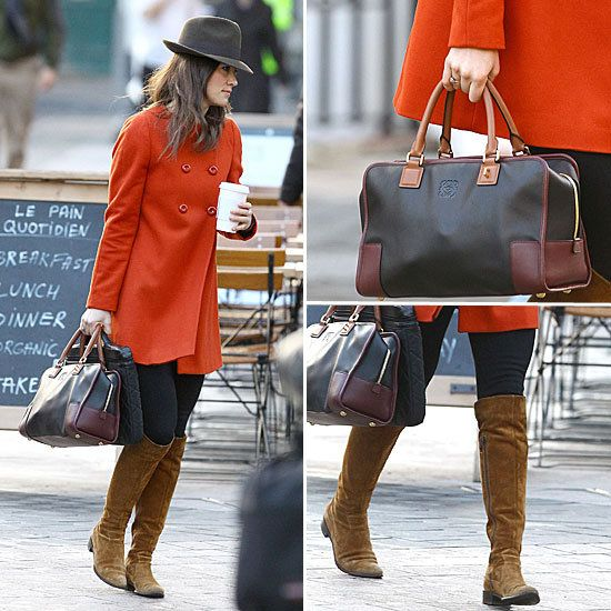 Ooh, Pippa in a gorgeous tangerine coat, nice. #pinpantone