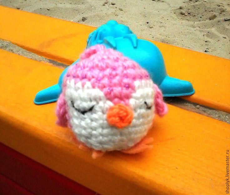 Вязанная игрушка - пингвин #амигуруми, #развивающая_игрушка, #малышам, #амигуруми, #маленькая_игрушка, #брелок_для_ключей