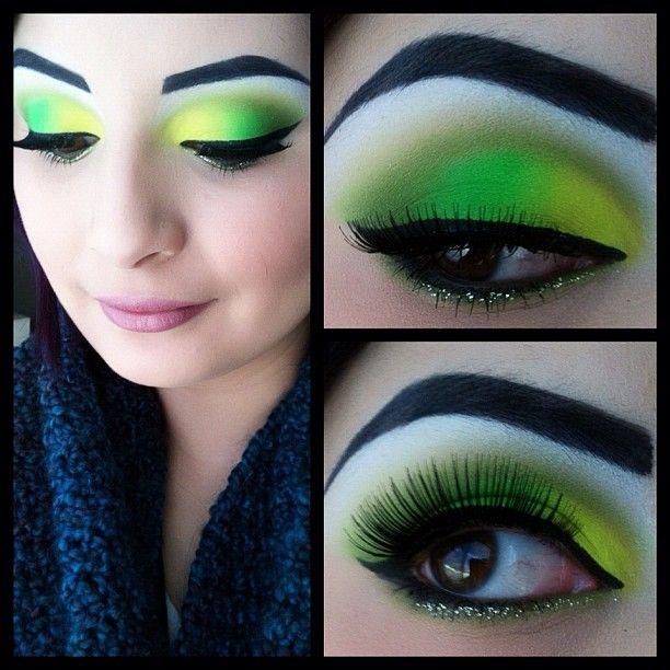 Neon Eye Makeup Pinte
