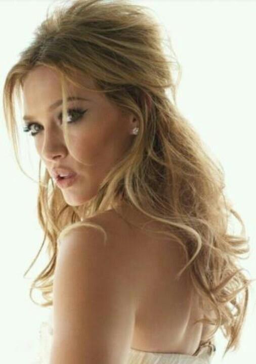 Love Hilary Duffs hair -always