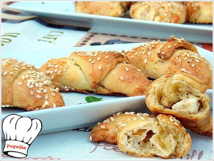 ΤΥΡΟΠΙΤΑΚΙΑ ΜΕ ΤΗΝ ΠΙΟ ΕΥΚΟΛΗ ΖΥΜΗ ΤΥΡΙΟΥ ΜΕ 3 ΥΛΙΚΑ!!! | Νόστιμες Συνταγές της Γωγώς