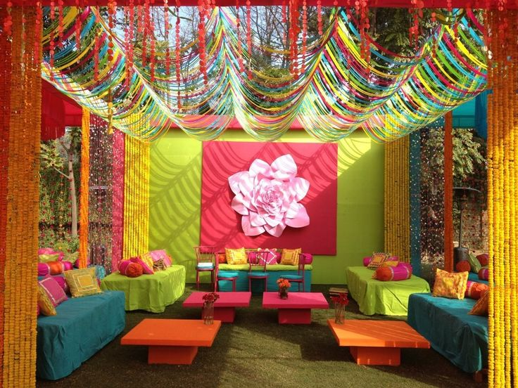 Mehendi decor > color burst