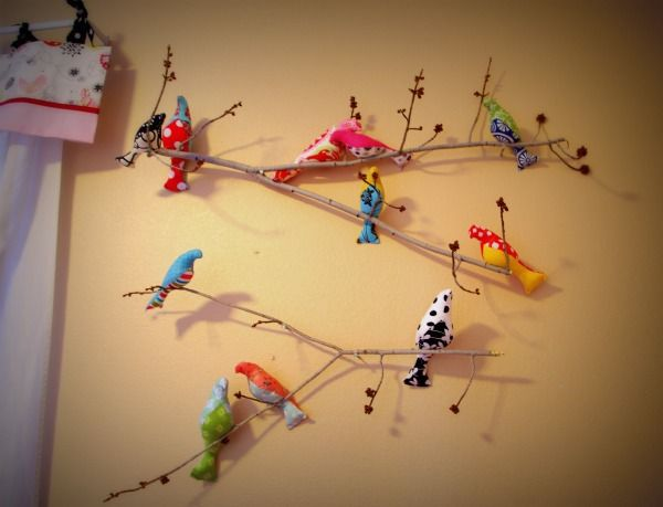 Hilde's blog...stuffed birds for the kids walls.Wall Decor, Sewing Machines, Birds Craftsillgettooneday, Sewing Pattern, Kids Wall, Birds Mobiles, Sewing Birds, Fabrics Birds, Fabric Birds