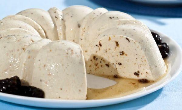 O Manjar Rápido de Ameixa é prático, cremoso e muito saboroso. Faça para a sobremesa da sua família e amigos e receba muitos elogios! Veja Também:Manjar d