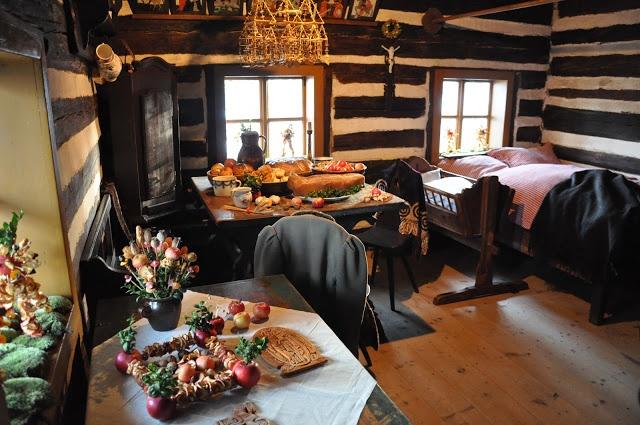skanzen Vesely kopec na Vysocine s uzasnou adventni a vanocni dekoraci z dob nasich prababicek ... jak z Ladova obrazku :-)