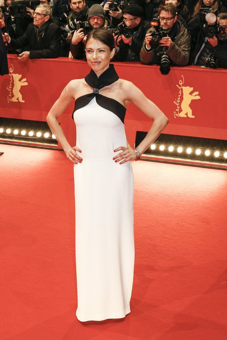 Pin for Later: Das war die 66. Berlinale: Seht alle Stars und alle Outfits Tag 1 Jana Pallaske