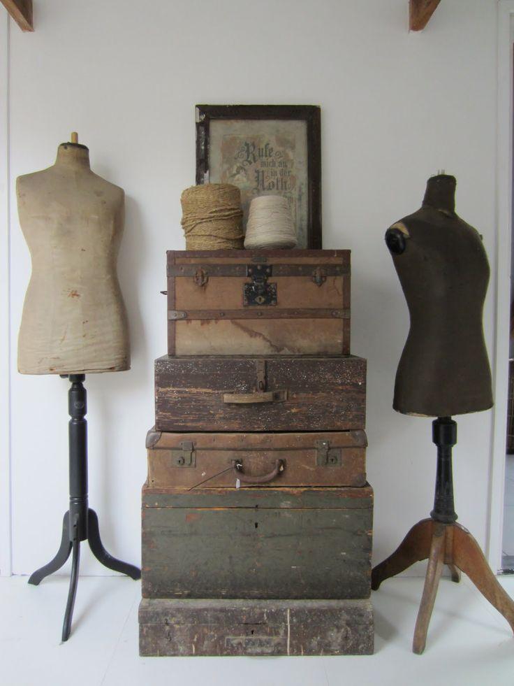 Vintage Luggage and Trunks - via De Tuinkamer