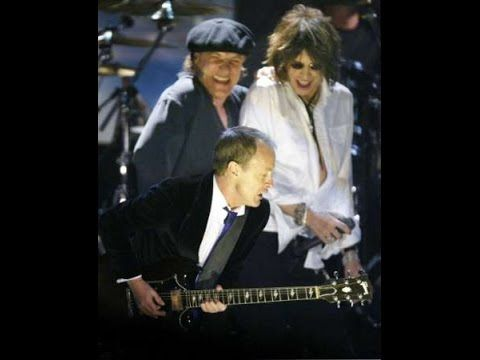 AC/DC & Steven Tyler - You Shook Me All Night Long AC/DC & Steven Tyler You Shook Me All Night Long AC/DC performing their best song ever with Steven Tyler by Aerosmith during the Rock 'n' Roll Hall Of Fame 2003 Get ticket concerts: http://ift.tt/1owMbJI...