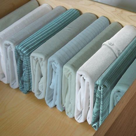 17 mejores ideas sobre organizaci n del caj n de ropas en - Ordenar armarios ropa ...