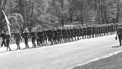 """Oslo 1943, May. Members of Jentehirden (""""Girl Guard"""" - a department of the Norwegian nazi party's uniformed branch) on parade."""