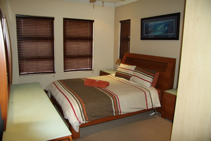 Eagles Retreat self-catering holiday home in Broederstroom.  Accommodation in Broederstroom.