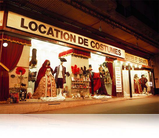 Magasin l'Académie du Bal Costumé, vente et location de costumes et déguisements pas cher et de qualité